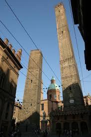 bologne les tours medievales